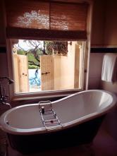 Free-standing bathtub.
