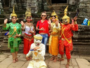 Me, with temple dancers dressed up for photo ops!